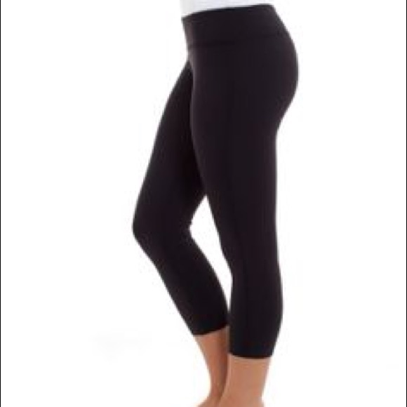ac62fcfb136a5f lululemon athletica Bottoms | Ivivva Girls Black Crop Leggings ...